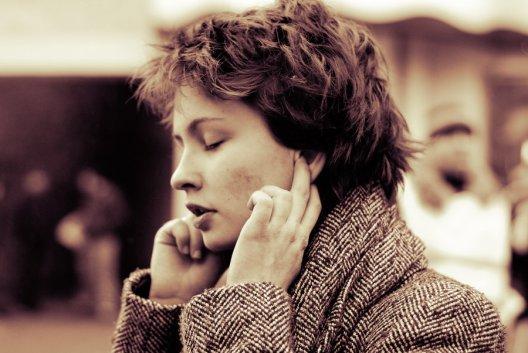 foreign language listening listen