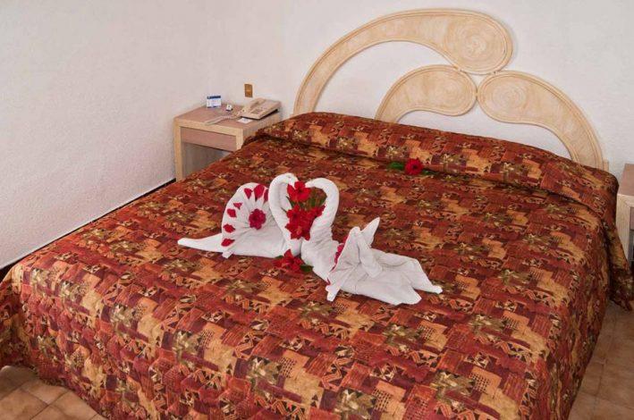 Qualton Ixtapa Hotel Todo Incluido Econmico Frente a la Isla de Ixtapa