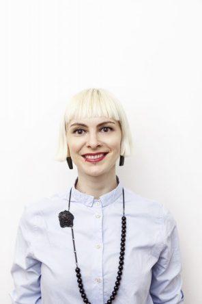 portrait of artist Izabella Petrut