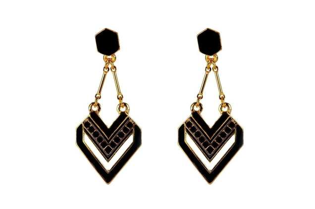 earrings-852898_1280
