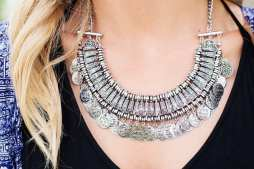 necklace-518275_640