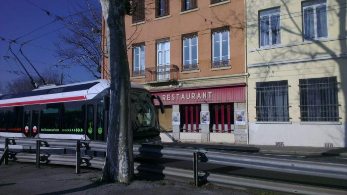 Petit Travail Tranquille - Crédit photo izart.fr