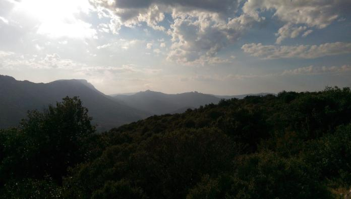 Des brumes sur les montagnes encore plein les mirettes - Crédit photo izart.fr