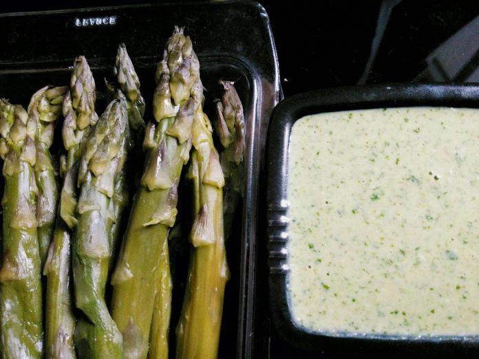 Recette N°162 - Sauce verte comme green chutney - Crédit photo izart.fr