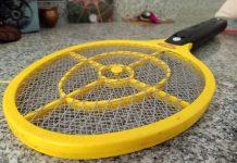 Mon voisin allemand a découvert la raquette - Crédit photo izart.fr