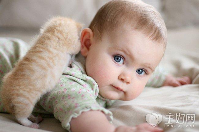 【寶寶吐奶怎么辦】改善寶寶吐奶的方法介紹_主婦網