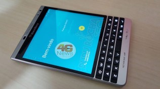 BlackBerry Passport Silver (2)