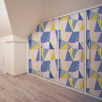 Transformer vos portes de placard avec le papier peint personnalisé !