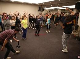 Dans Eğitmeni Kiralama