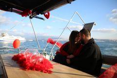Mutluluk Teknesi Tuğçe Selim İzmir Organizasyon 12 - Teknede Evlenme Teklifi Organizasyonu