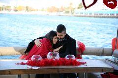 Mutluluk Teknesi Tuğçe Selim İzmir Organizasyon 6 - Teknede Evlenme Teklifi Organizasyonu