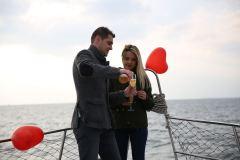 izmir tekne kiralama 1 - Teknede Evlilik Teklifi Organizasyonu 2