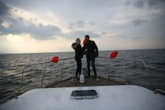 izmir tekne kiralama 10 - Teknede Evlilik Teklifi Organizasyonu 2