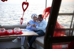 havai fisek esliginde surpriz evlenme teklifi organizasyonu izmir tekne kiralama 1 - Havai Fişek Eşliğinde Evlenme Teklifi Organizasyonu