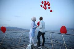 havai fisek esliginde surpriz evlenme teklifi organizasyonu izmir tekne kiralama 3 - Havai Fişek Eşliğinde Evlenme Teklifi Organizasyonu