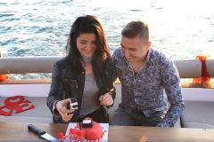 mutluluk teknesinde butik pastalar izmir tekne kiralama 2 - Mutluluk Teknesi'nde Butik Pastalar