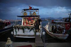 teknede evlenme teklifi izmir tekne kiralama 2 - Haftalık Tekne Kiralama