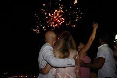 yatta havai fisek esliginde evlenme teklifi organizasyonu izmir tekne kiralama 11 - Teknede Evlilik Teklifini Nerede etmeliyim?