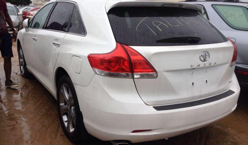 Toyota Venza 2010 White full
