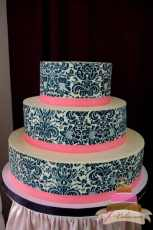 (1108) Damask Print Wedding Cake