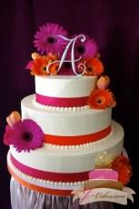 (1025) Gerber Daisy Wedding Cake