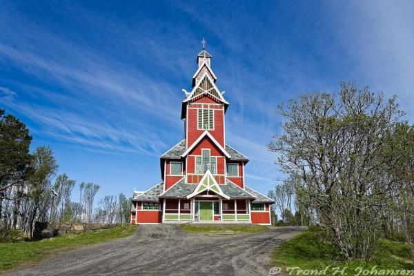 Buksnes kirke, Flakstad 2016-05-20 14:38:58 Trond Heim Johansen f/11 1/400sec ISO-200 18mm