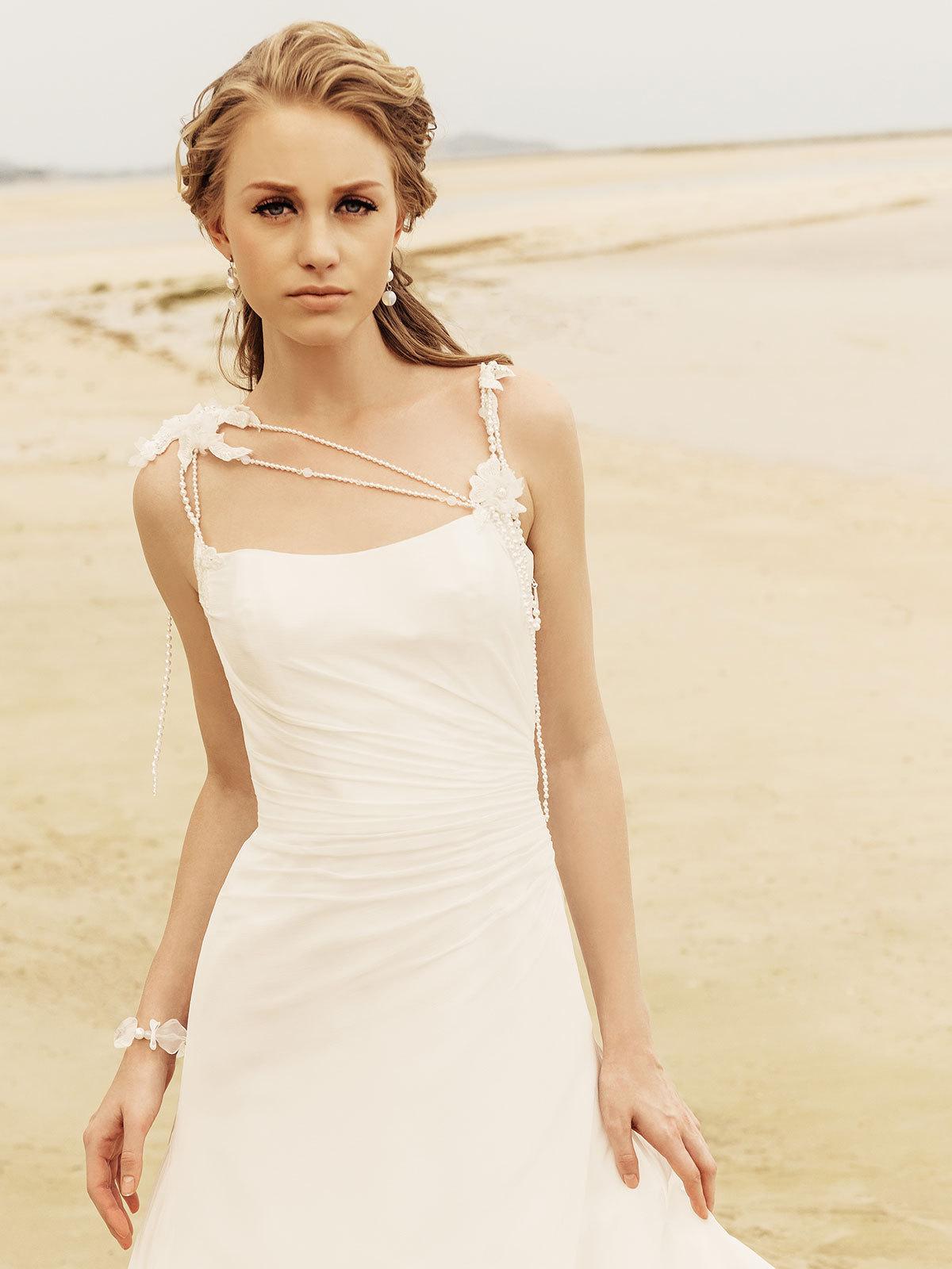 Brautkleid Brigitta von Rembo Styling auf Jade