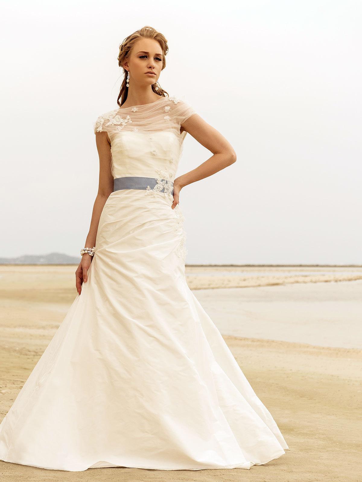 Brautkleid Emilia von Rembo Styling auf Jade