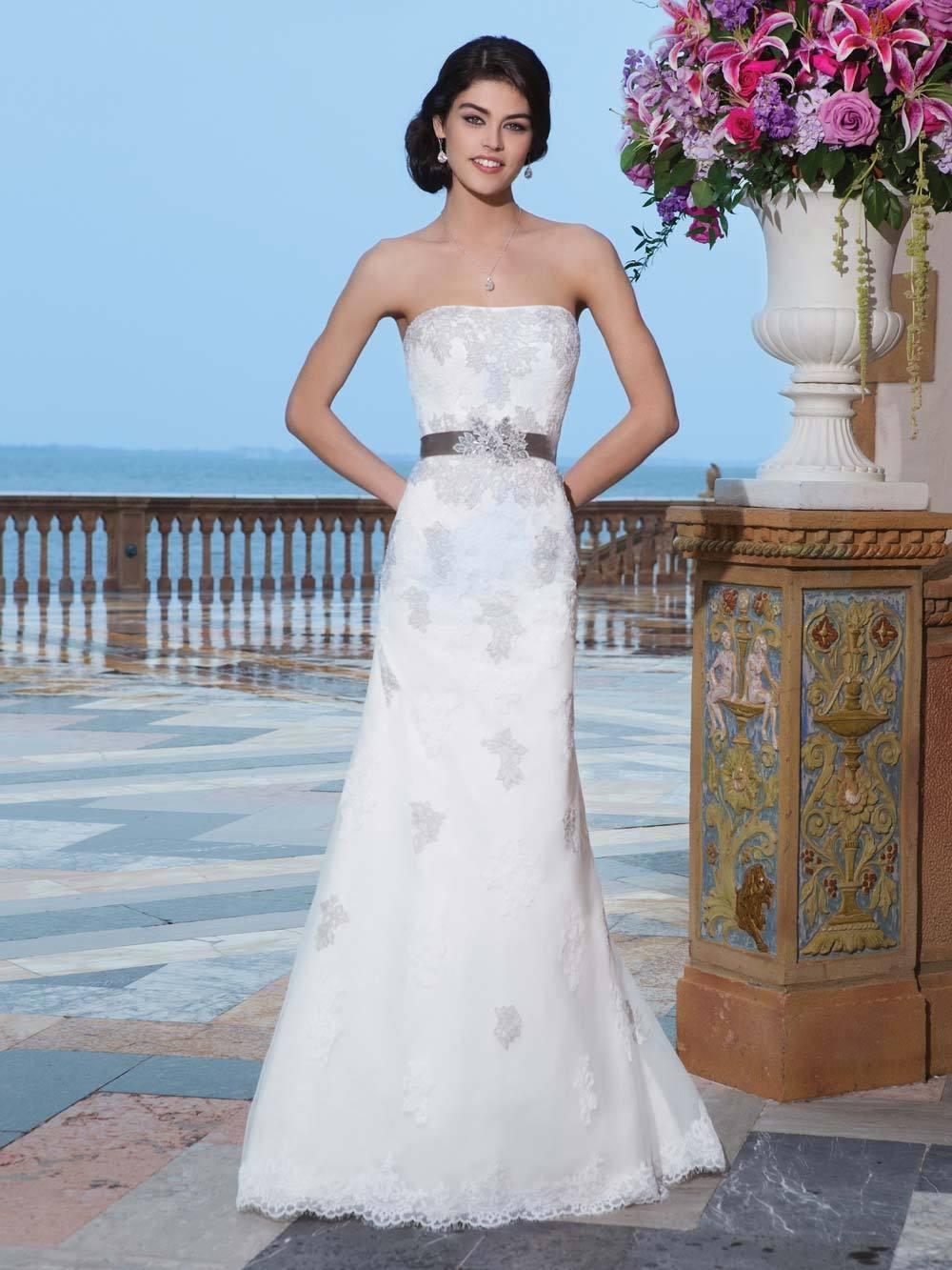 Brautkleid 3833 von Sincerity auf Jade