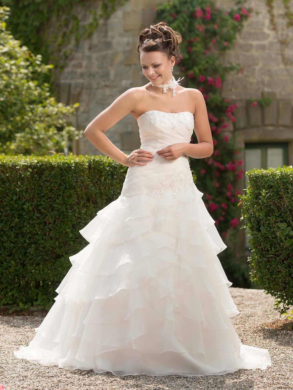 Brautkleid 329662 von Weise auf Jade