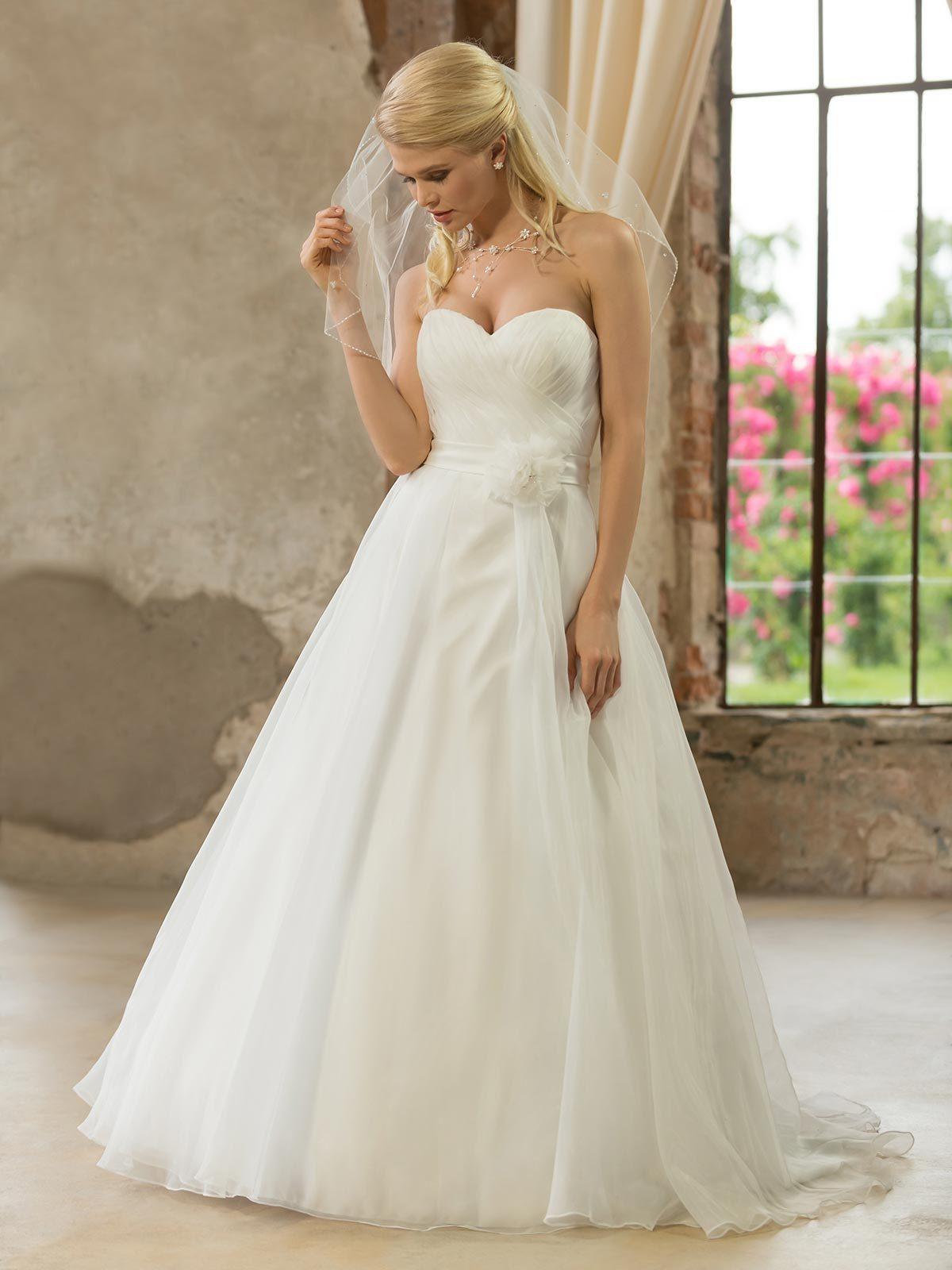 Brautkleid 329162 von Weise auf Jade