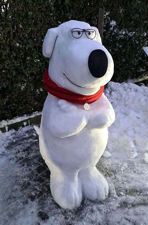 ijssculptuur/sneeuwsculptuur Brian griffin van Family guy