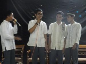sekelompok group nasyid SMA Alfa Centauri ikut memeriahkan kegiatan Olimpiade PAI Alfa Centauri Bandung Jumat (13/9/2013).