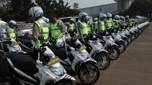 polisi dan motornya