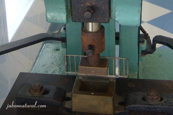 Máquina hacer jabones - La Toja - Spain