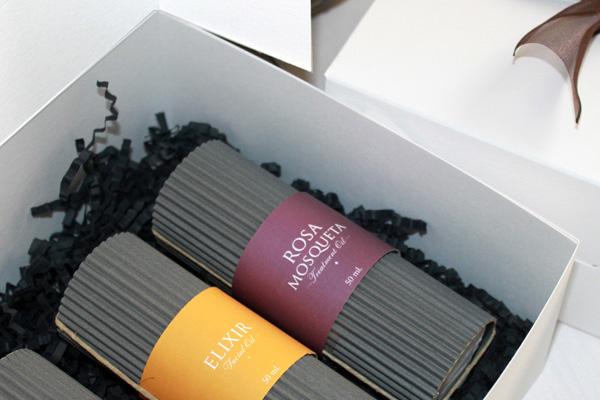 Cajita de regalo con 3 aceites faciales de tratamiento de Campo di fiore