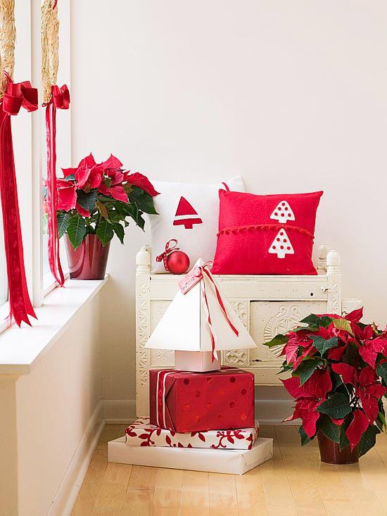 Decoración navideña en tonos rojos