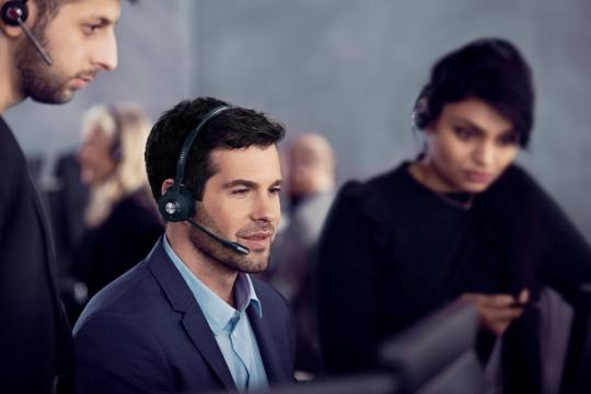 Office headsets for the hearing impaired: What are your options?