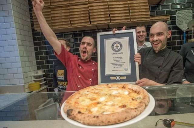 """Pizza sa 111 vrsta sireva: """"Svaki je zalogaj drugačijeg okusa"""" 1"""