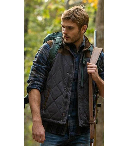 alex-roe-the-5th-wave-evan-walker-vest