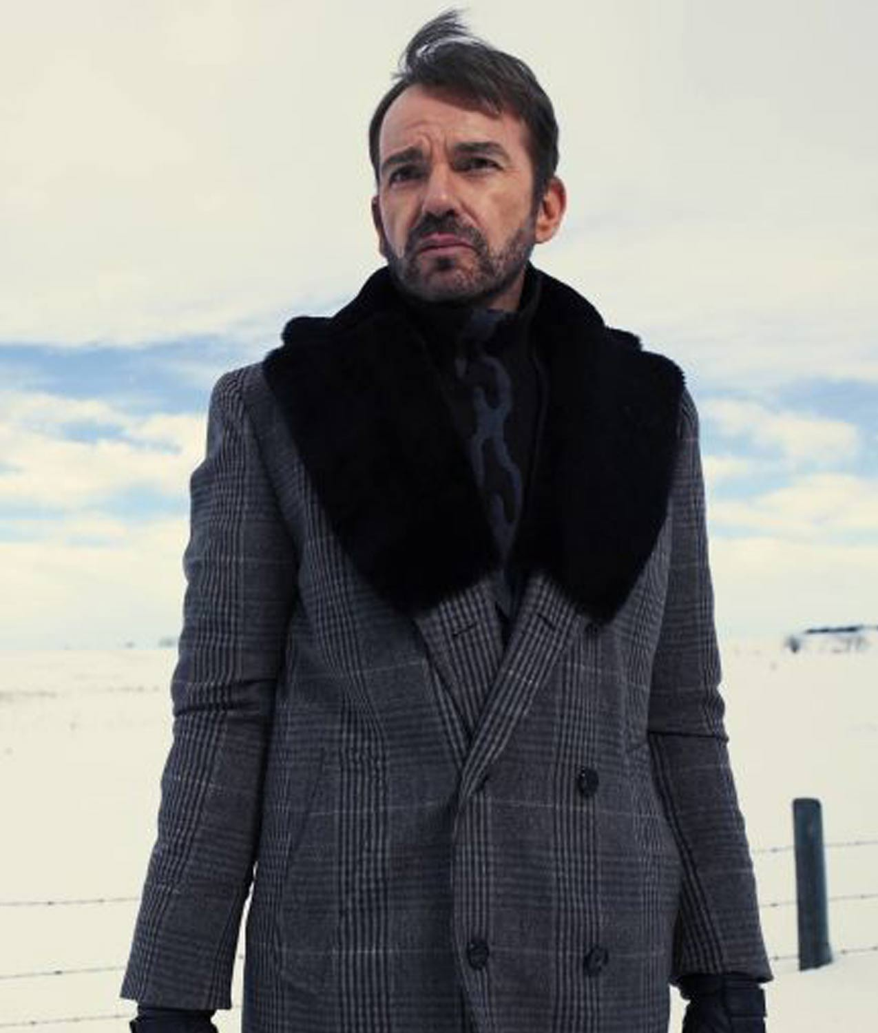 https://i0.wp.com/www.jacketscreator.com/wp-content/uploads/2018/06/fargo-lorne-malvo-coat.jpg?fit=1275%2C1500&ssl=1