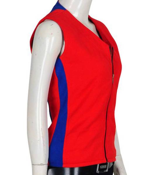alexandra-daddario-lifeguard-vest