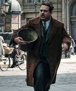 fantastic-beasts-2-jacob-kowalski-coat