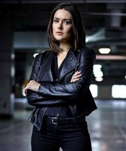 the-blacklist-elizabeth-keen-jacket