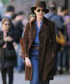 anne-hathaway-brown-coat