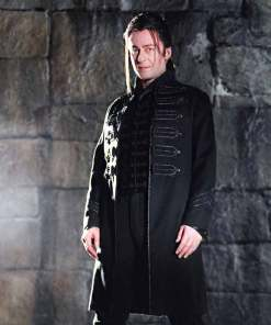 count-vladislaus-dracula-trench-coat