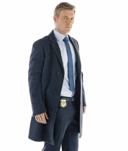 detective-eddie-thawne-coat