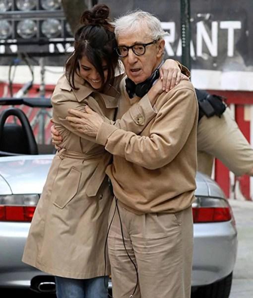 a-rainy-day-in-new-york-selena-gomez-double-breasted-coat