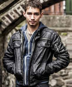 robert-sheehan-love-hate-darren-tracey-jacket
