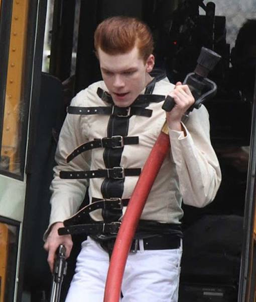 cameron-monaghan-gotham-belted-jacket